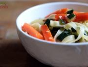 Makaron z warzywami rozmarynowymi