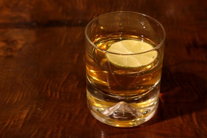 Whiskey z piwem imbirowym