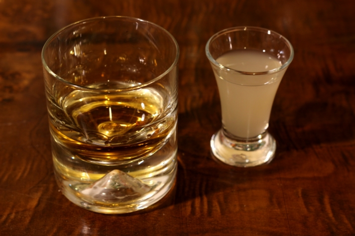 Whiskey z sokiem z kiszonych ogórków 2