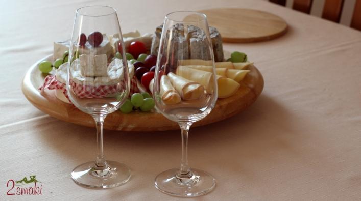 Sery Le Rustique - deska serów i kieliszki