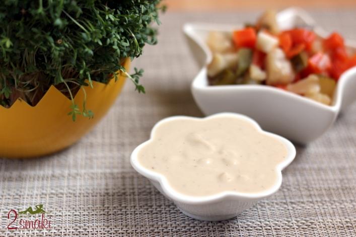Wegański sos sałatkowy