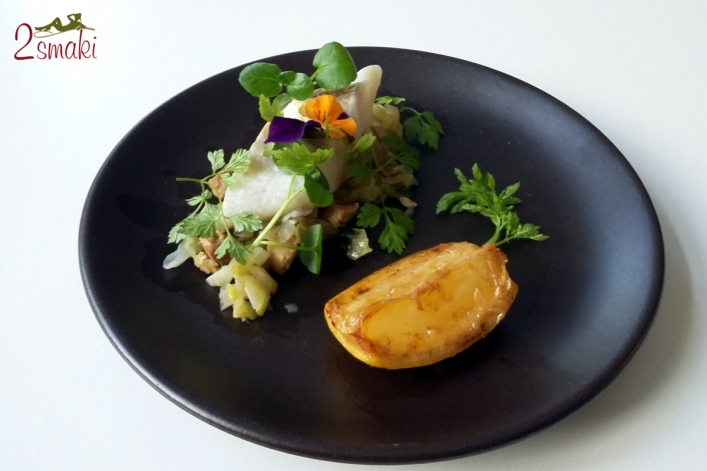 Warsztaty rybne - czarniak gotowany w mleku z młodą kapustą, wędzonym masłem i grillowaną cytryną
