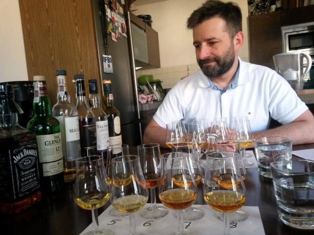 Whisky kieliszki i Mikołaj 1