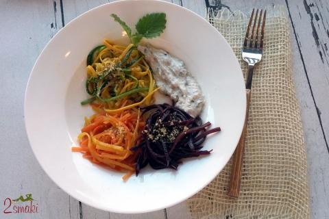 Bitwa smaków - spaghetti z marchewki i cukinii z sosem z ricotty