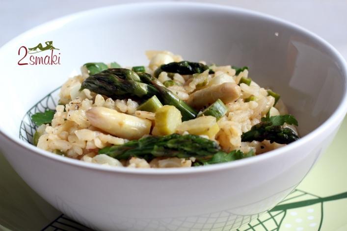 Wegańskie risotto ze szparagami