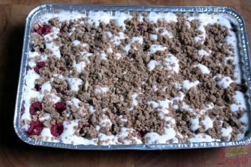 Kruche ciasto z pianką i malinami - wegańskie i bezglutenowe 4