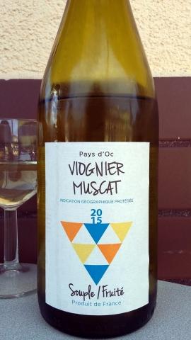 Wino Ustka Viognier Muscat 2