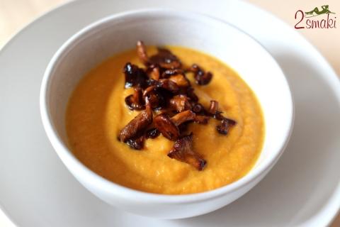 Zupa z pieczonej dyni z kurkami
