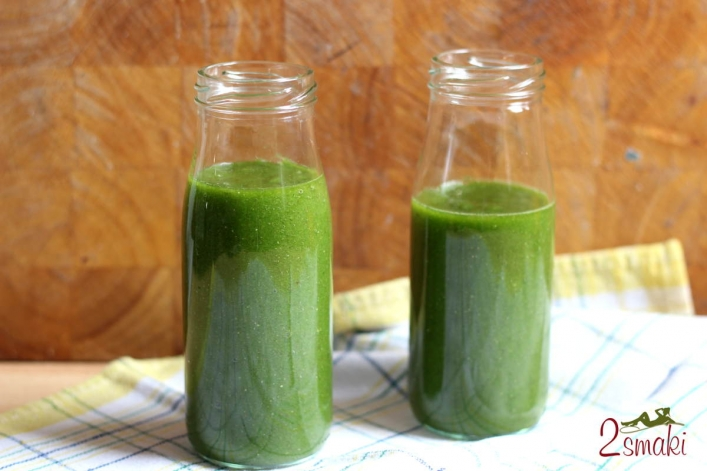 Zielony koktajl z selerem naciowym