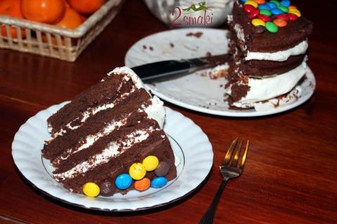 Tort brownie z nutellą i bitą śmietaną